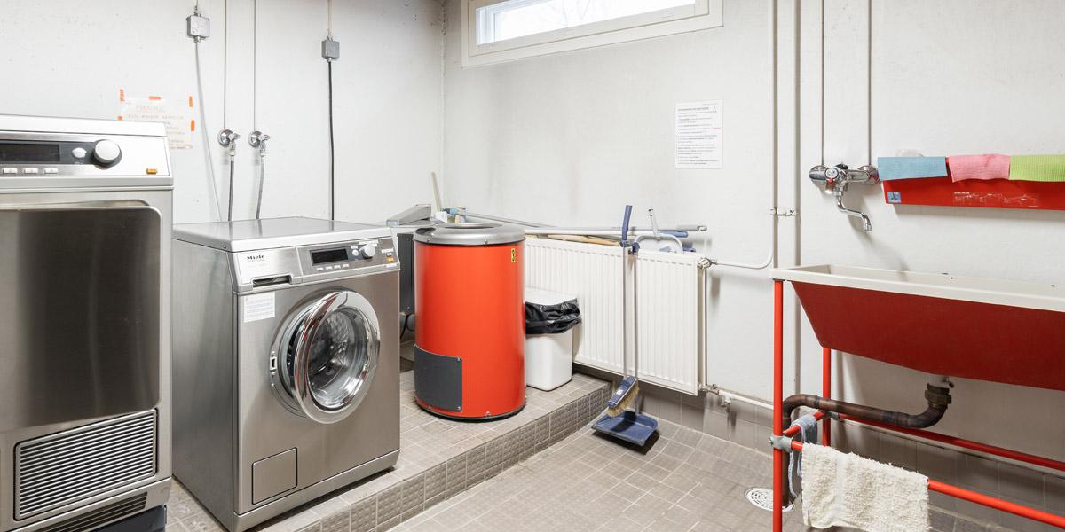 Lautamiehenkadun senioritalon pyykkitupa