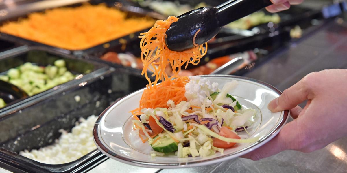 Ravintola Wanha Herran salaattiannos.
