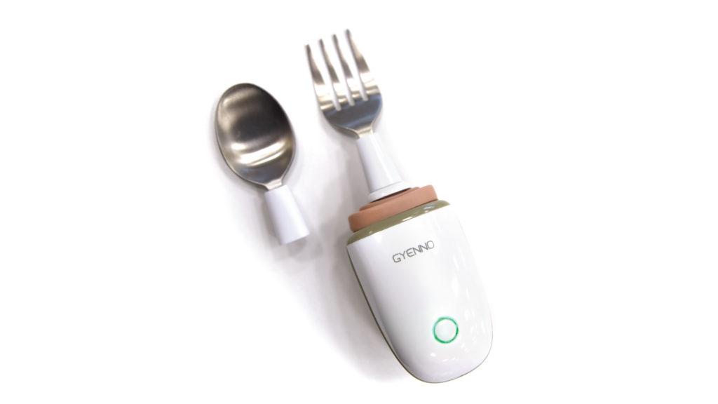 Tämä ruokailuväline vakauttaa käden aiheuttaman tärinän, jotta syöminen olisi helpompaa.