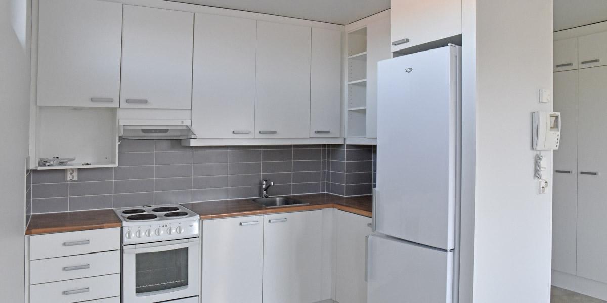 Laaksokatu 19 tyhjä asunnon keittiö.